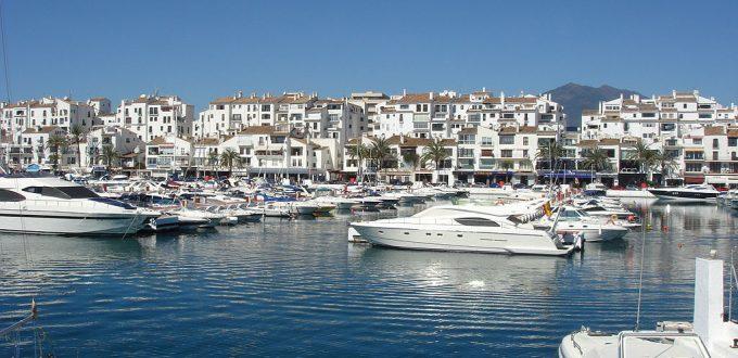 1024px-puerto_banus_marbella