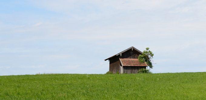 field-barn-795141_960_720