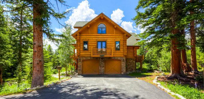 breckenridge-ski-in-ski-out-chalet-usa-clifton-lodge-exterior