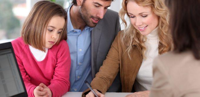 familia-firma-una-hipoteca-small