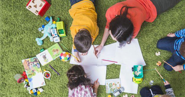 children-drawing-playing-carpet_23-2147797900