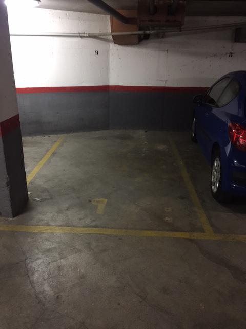Imagen 2 Parking Coche en venta en Cornellà De Llobregat / En la misma Rambla