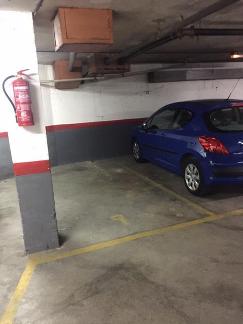 Imagen 4 Parking Coche en venta en Cornellà De Llobregat / En la misma Rambla