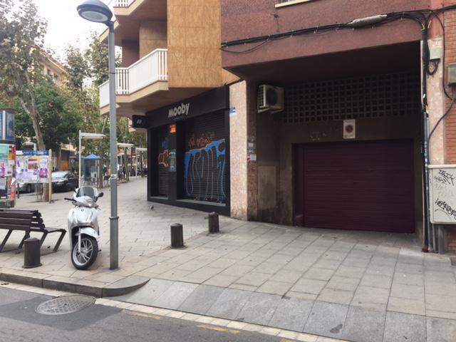 Imagen 1 Inmueble 171205 - Parking Coche en venta en Cornellà De Llobregat / En la misma Rambla