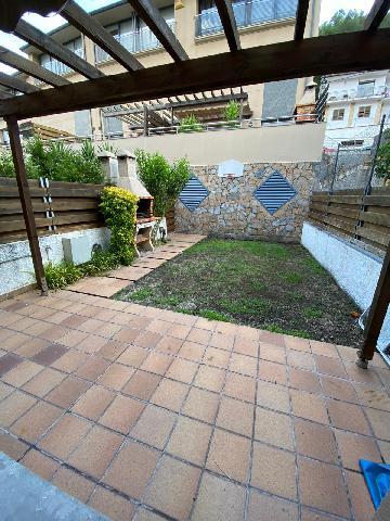 Imagen 1 Inmueble 239698 - Casa Adosada en venta en Vallirana / Junto Ayuntamiento de Vallirana