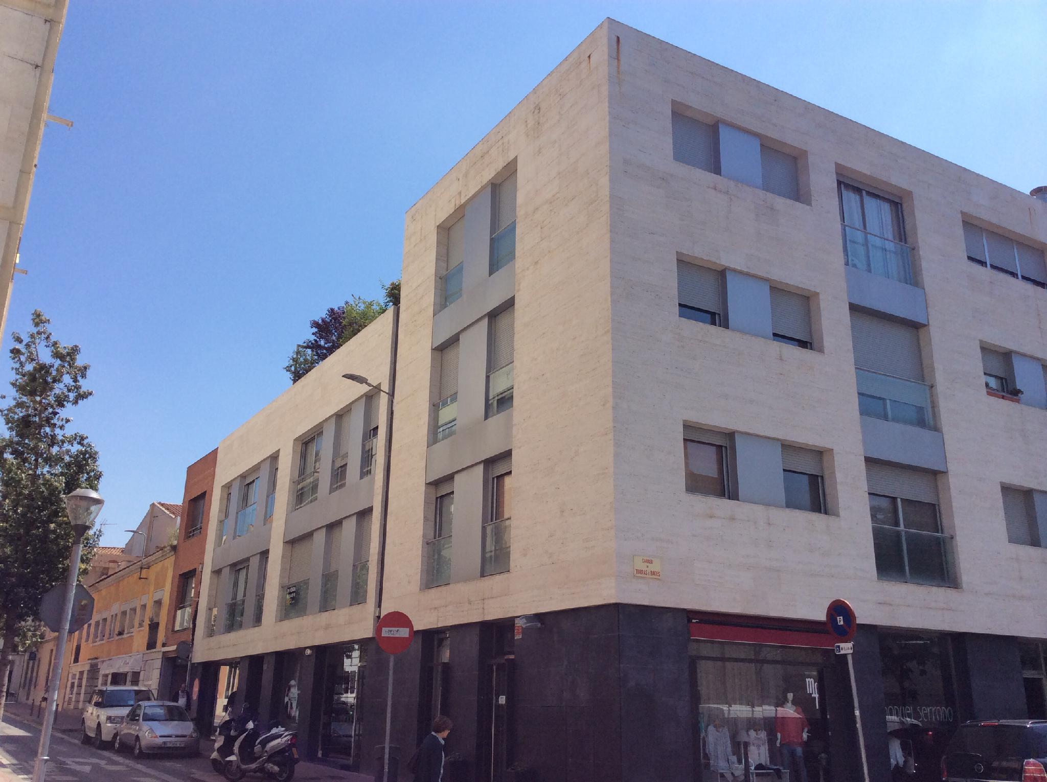 159784 - Junto al Ayuntamiento de Sabadell