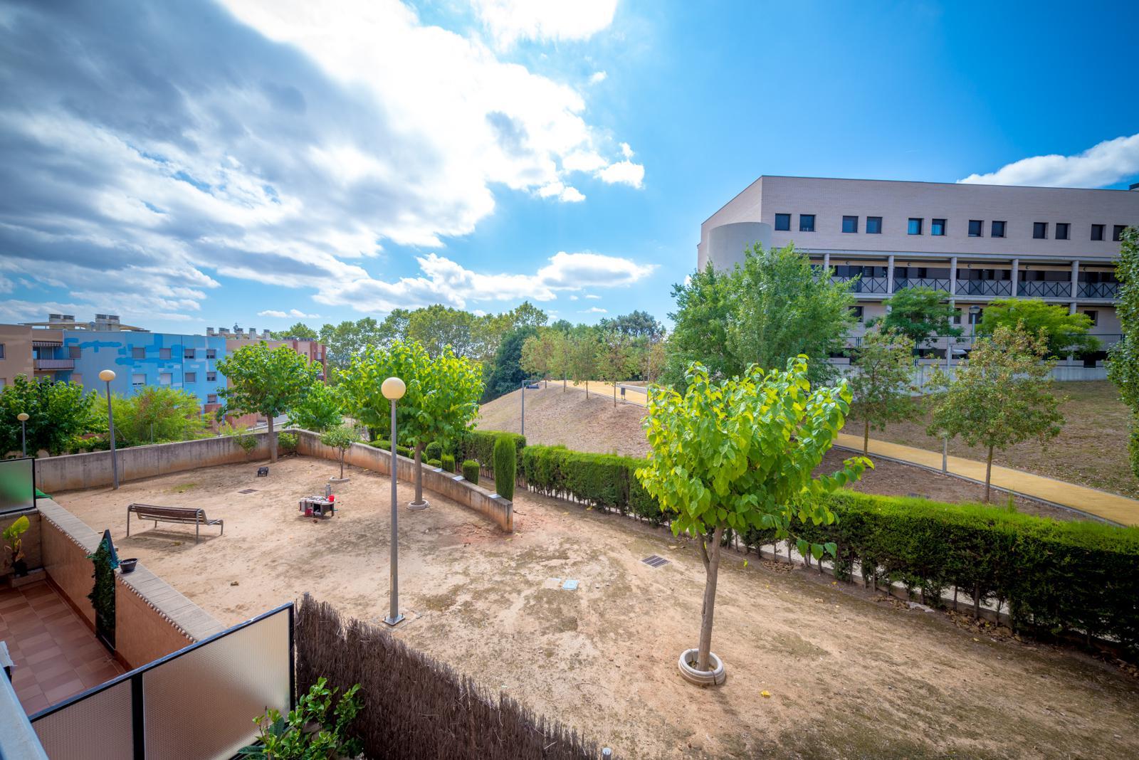 161396 - Junto Colegio Pueblo Nuevo