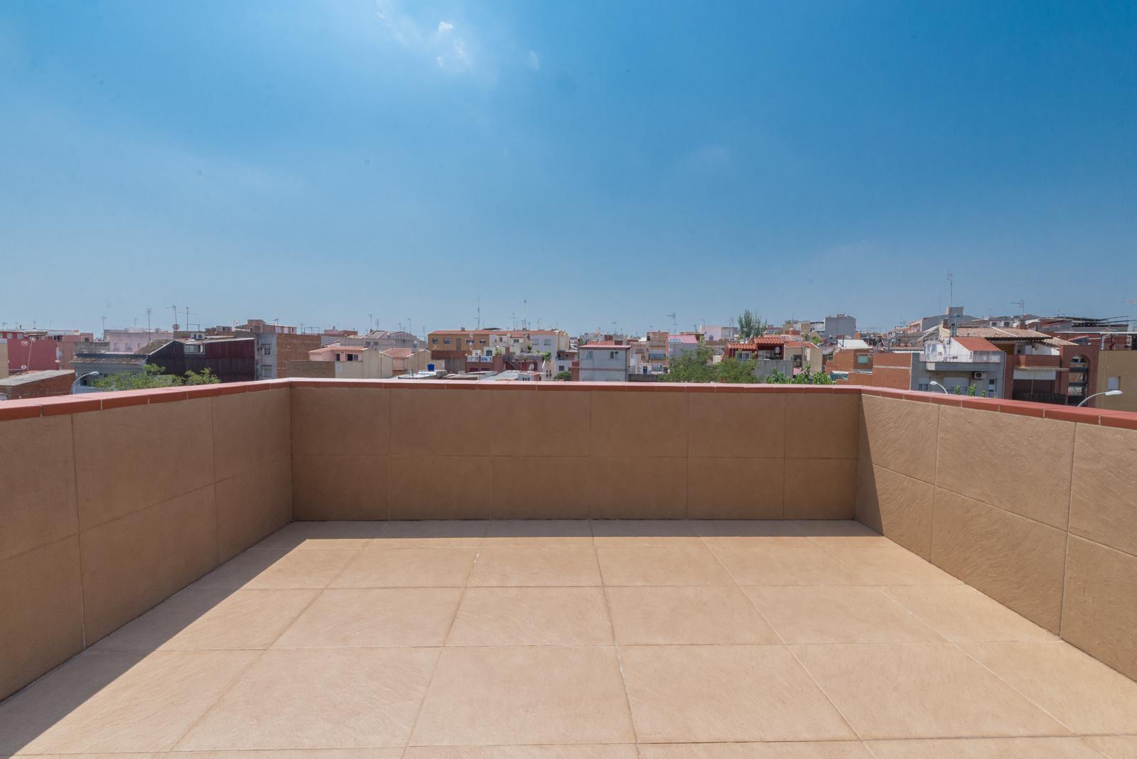 Casa can oriac sabadell barcelona 164815 for Don piso sabadell