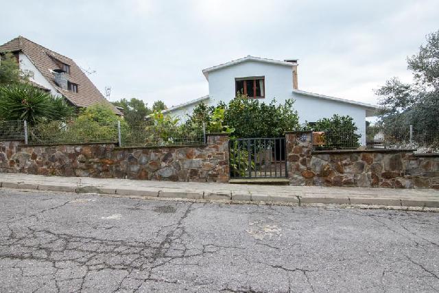 Imagen 1 Inmueble 214680 - Casa Aislada en venta en Castellar Del Vallès / Urbanización Can Font