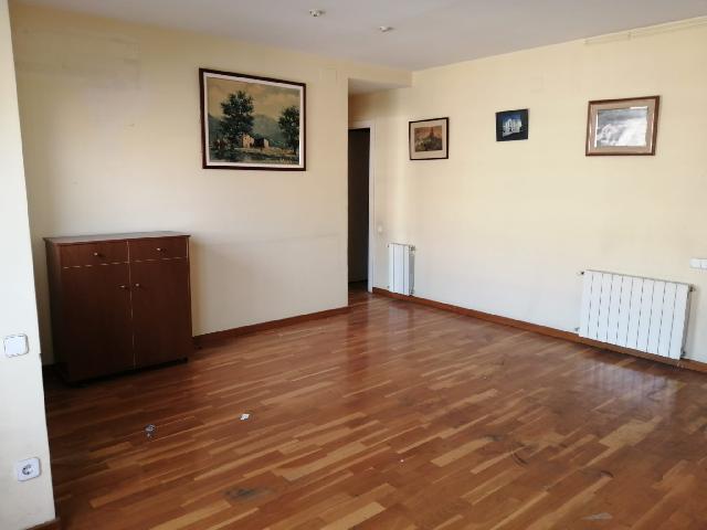 Imagen 1 Inmueble 222394 - Piso en venta en Sabadell / Concòrdia, Junto a Renfe Nord