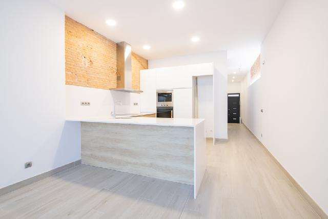 Imagen 1 Inmueble 233128 - Casa en venta en Sabadell / Junto Rambla muy cerca del Cinema Imperial