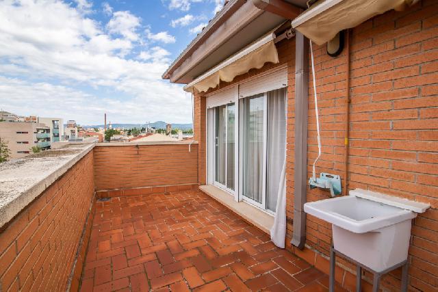 Imagen 1 Inmueble 239803 - Ático en venta en Sabadell / Covadonga cerca de estación Renfe Centre