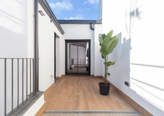 Imagen 1 Inmueble 240974 - Casa en venta en Sabadell / Situado en la misma Plaza del Gas.