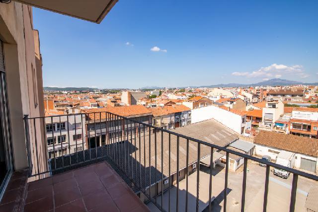 Imagen 1 Inmueble 241160 - Piso en venta en Sabadell / A 5 minutos de la Rambla