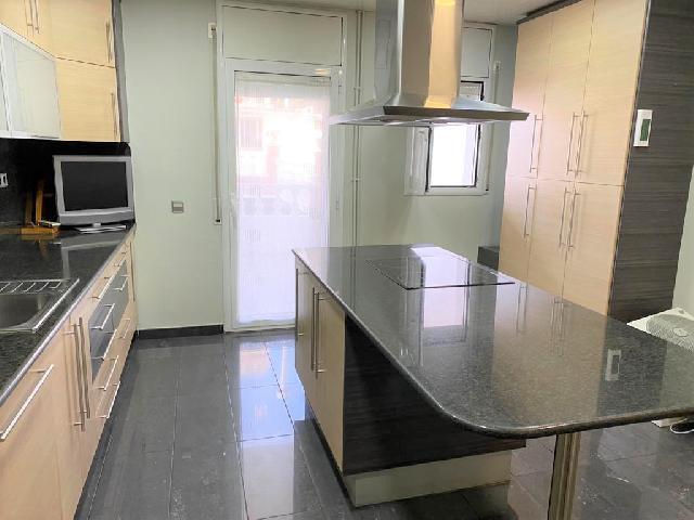 Imagen 1 Inmueble 243803 - Casa en venta en Sabadell / A 5 minutos del Mercado Central