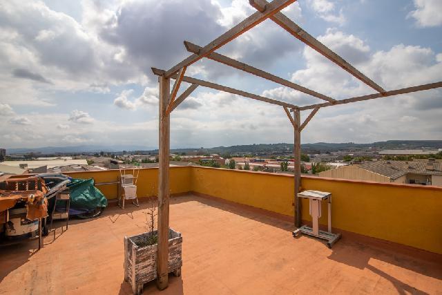 Imagen 1 Inmueble 244208 - Ático en venta en Sabadell / Junto Plaça del Treball