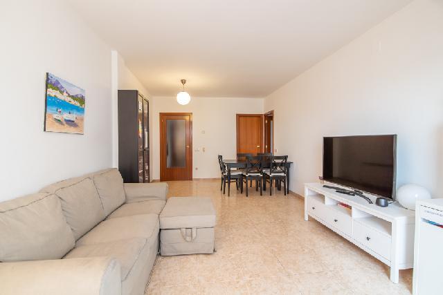 Imagen 1 Inmueble 244553 - Piso en venta en Sabadell / Paseo Almogavers, a sólo 2 minutos de la Avda.Barberà