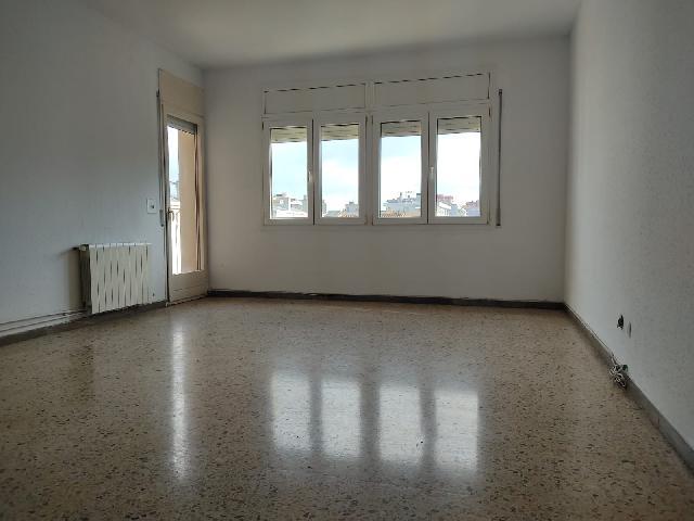 Imagen 1 Inmueble 245572 - Piso en venta en Sabadell / Rambla junto al cap
