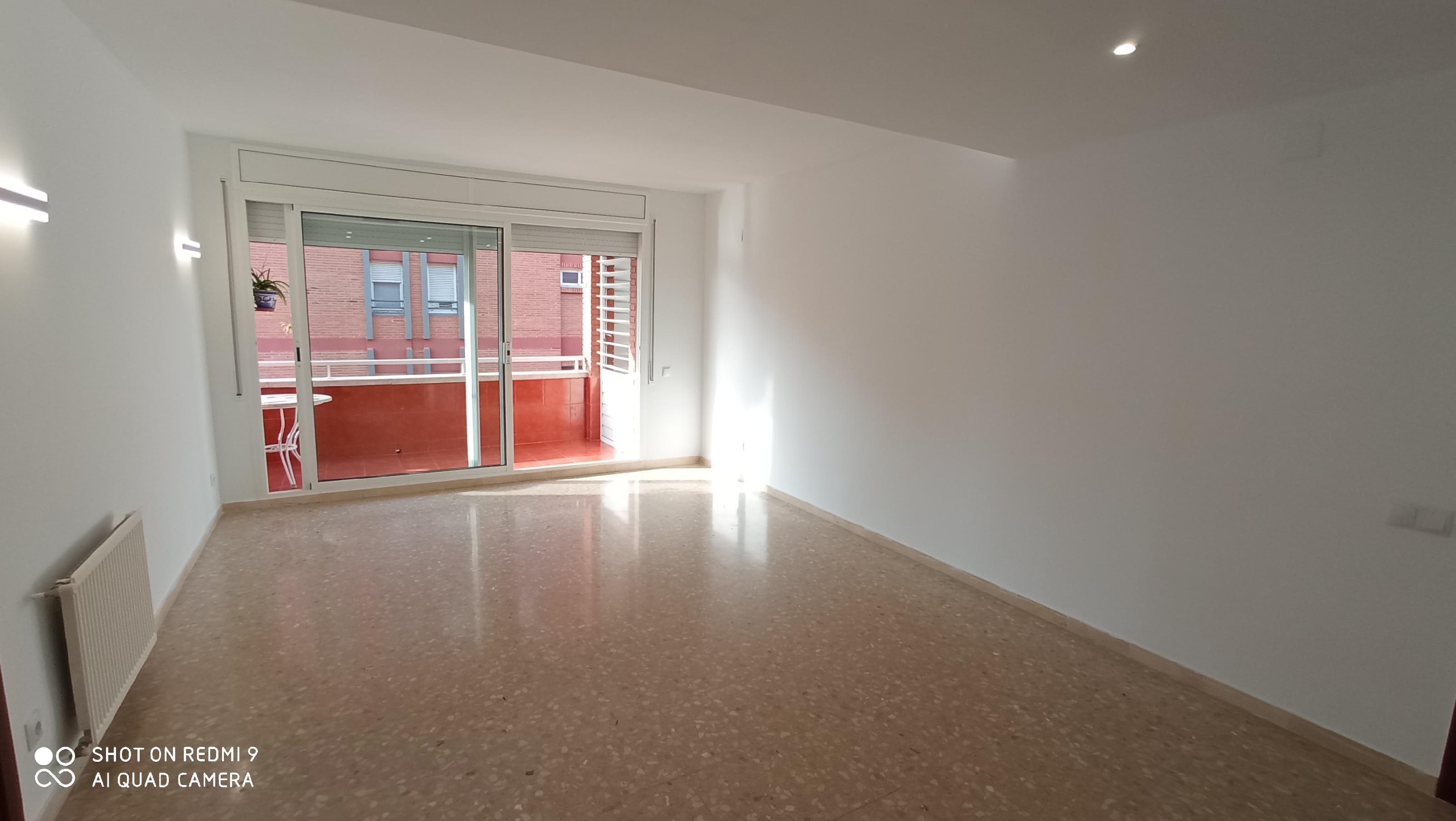 Imagen 1 Piso en alquiler en Sabadell / Al lado Avda. Barbera