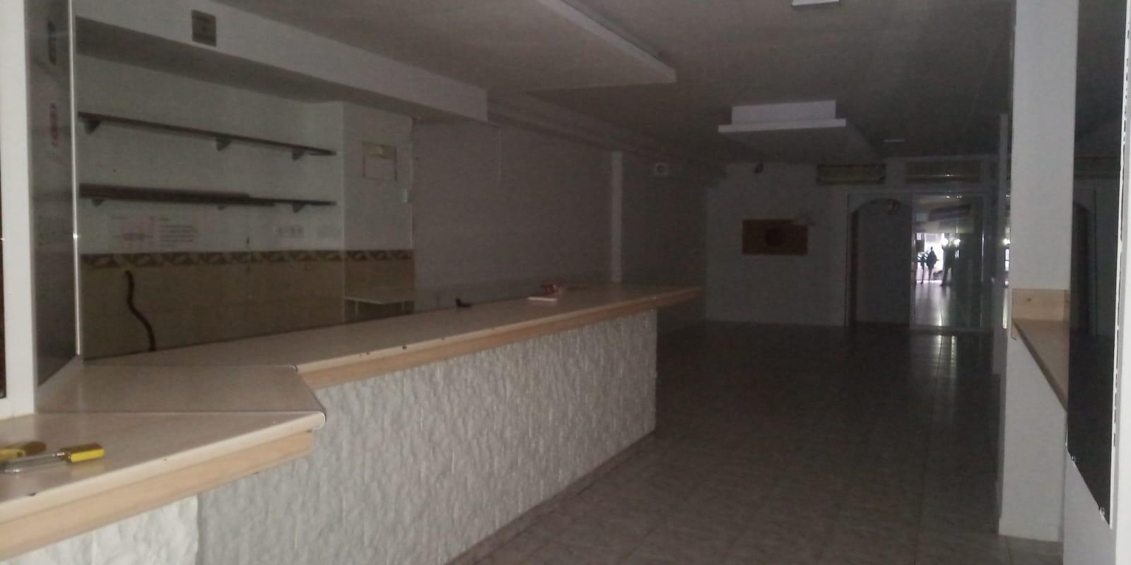 Imagen 3 Local Comercial en venta en Sabadell / A 30 metros de la Avda. Matadepera