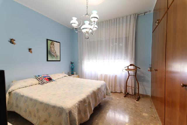 Imagen 1 Inmueble 248554 - Casa en venta en Barberà Del Vallès / Barri Eixample - Can Llobet muy cerca del mercado.