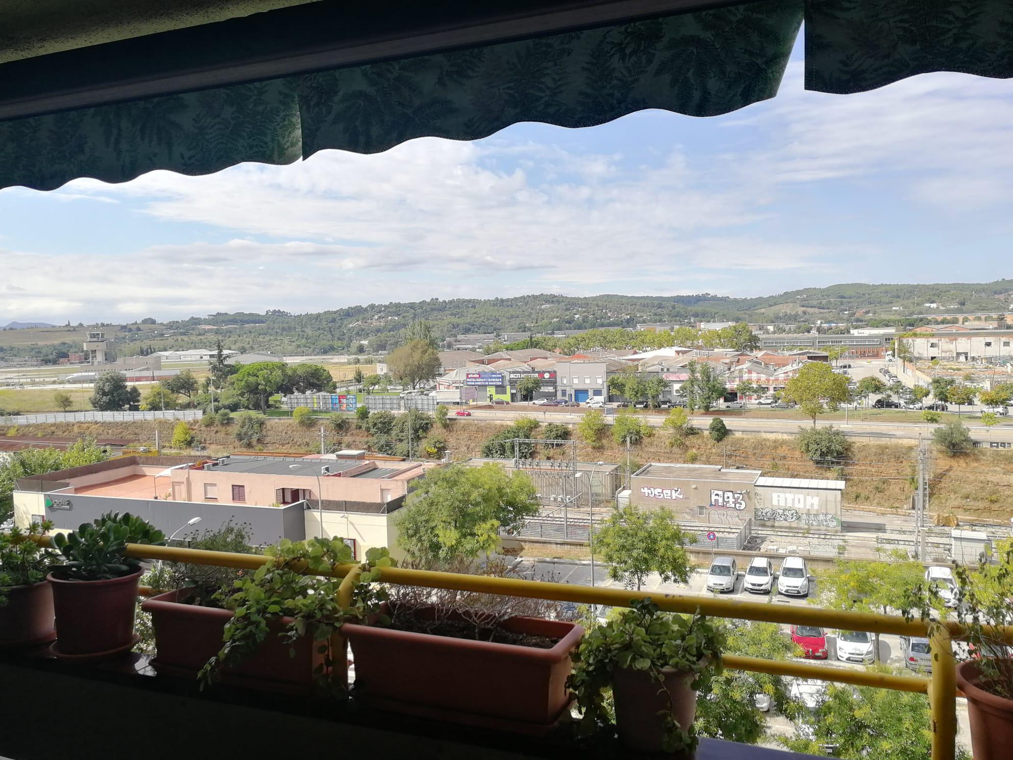 Imagen 2 Piso en venta en Sabadell / Junto a estación Renfe Sabadell Sud