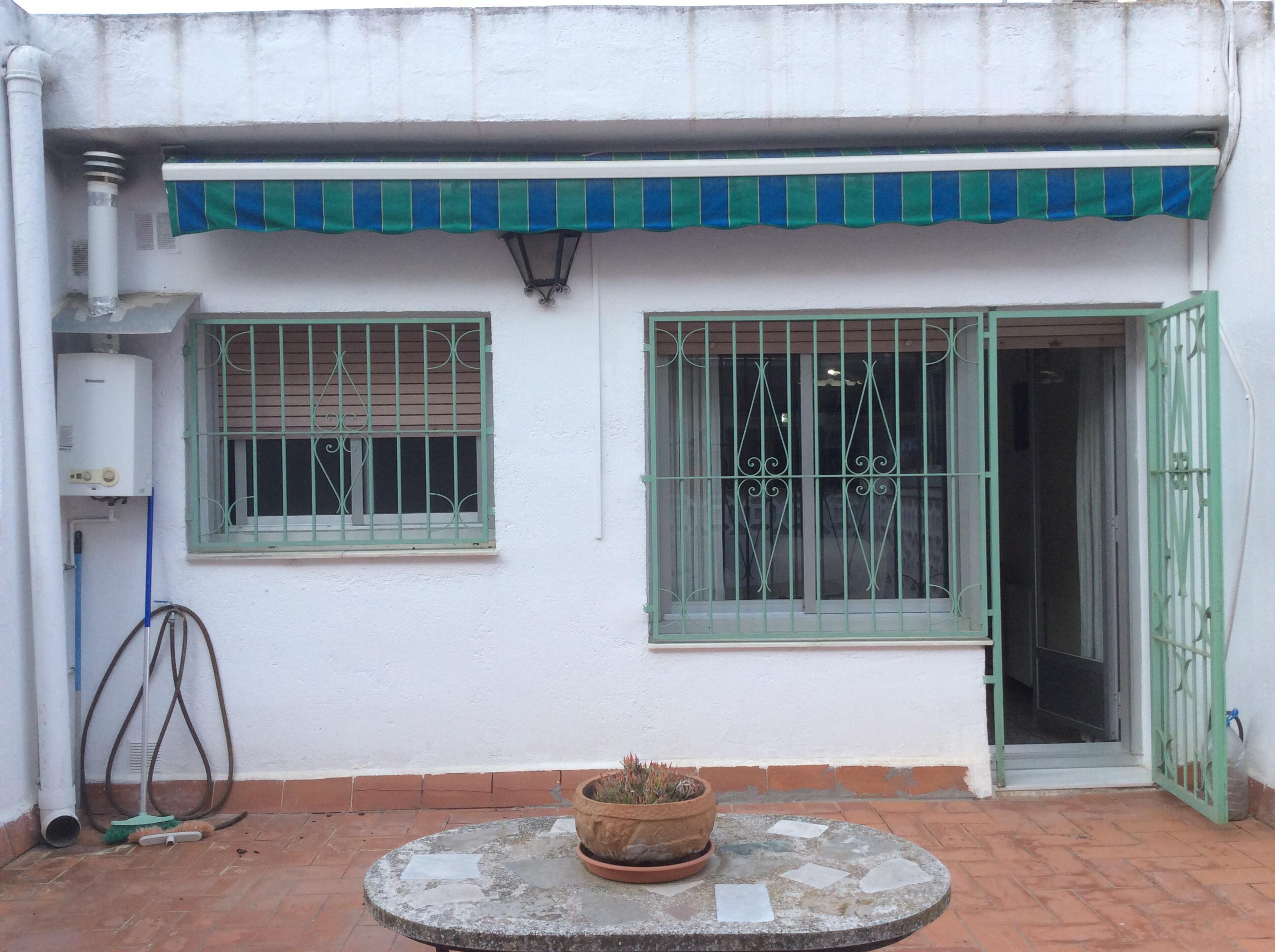Imagen 1 Casa en venta en Barberà Del Vallès / La Románica junto a Via St. Oleguer