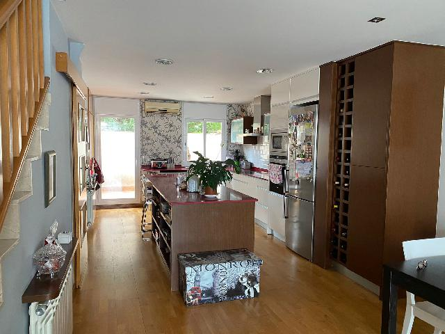 Imagen 1 Inmueble 249158 - Casa en venta en Sabadell / Junto al Club de Natación