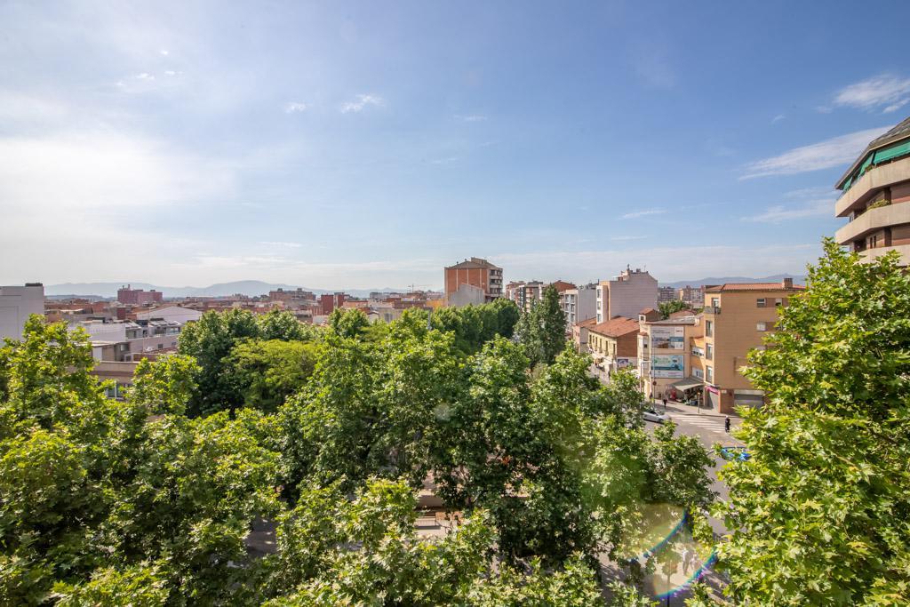 Imagen 2 Piso en venta en Sabadell / Junto a Pl. Creu de Barberà