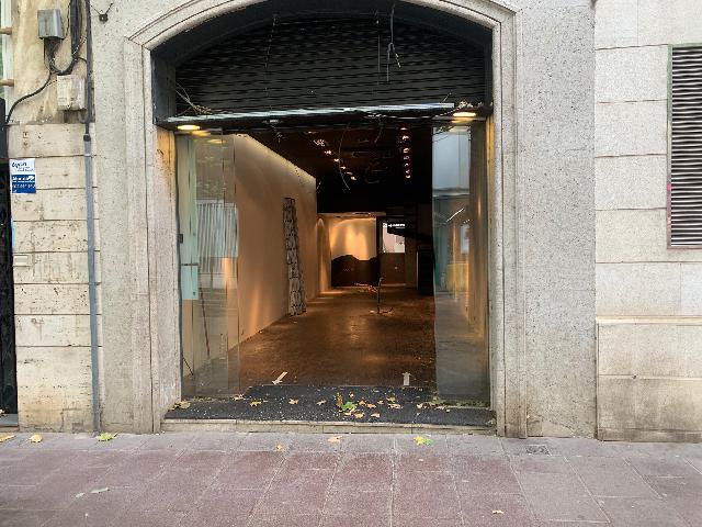 Imagen 1 Inmueble 252450 - Local Comercial en alquiler en Sabadell / En plena Rambla junto al Ayuntamiento.