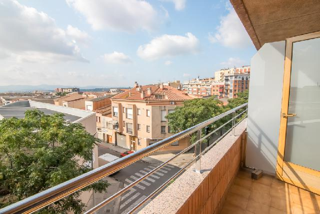 Imagen 1 Inmueble 252658 - Piso en venta en Sabadell / Gracia junto C/ Lepant