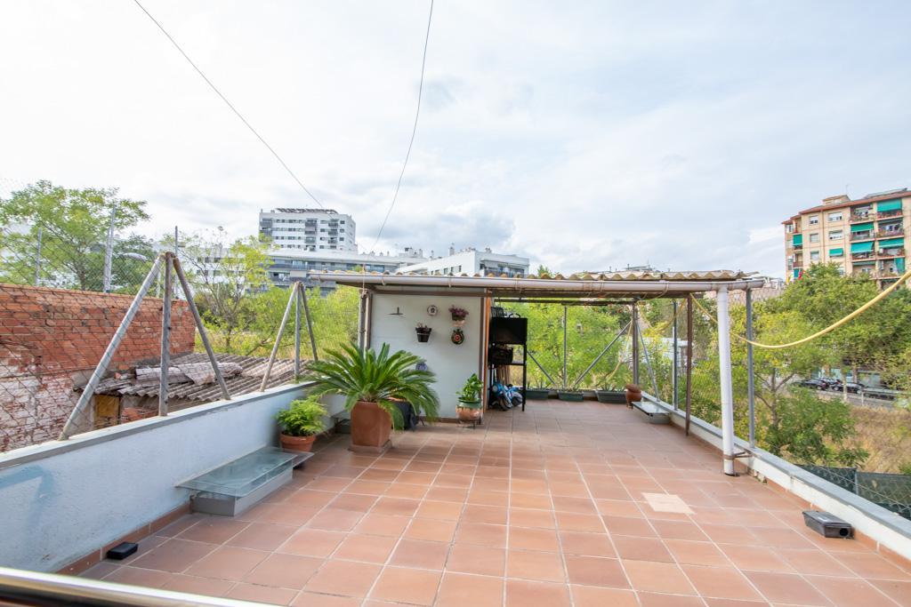Imagen 1 Casa en venta en Sabadell / Entre Ctra. de Barcelona y Rda. Jean Monnet