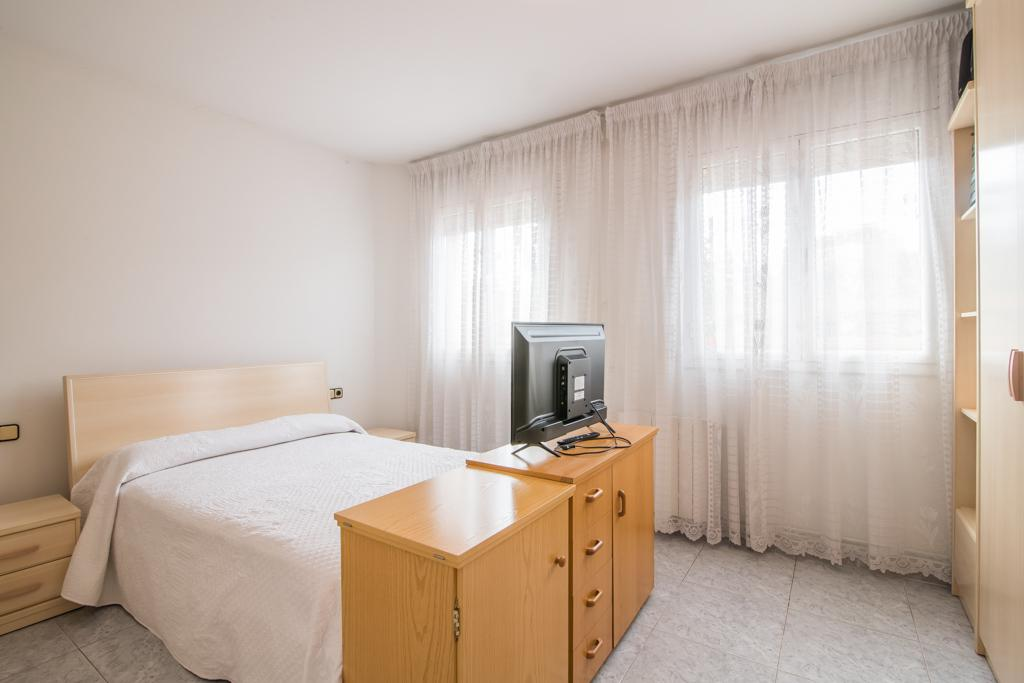Imagen 3 Casa en venta en Sabadell / Junto a Pavelló Nord