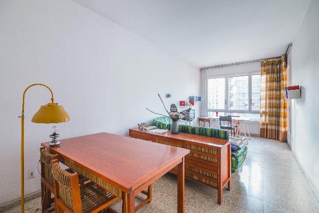 Imagen 1 Inmueble 233636 - Piso en venta en Barcelona / Corsega - Calabria