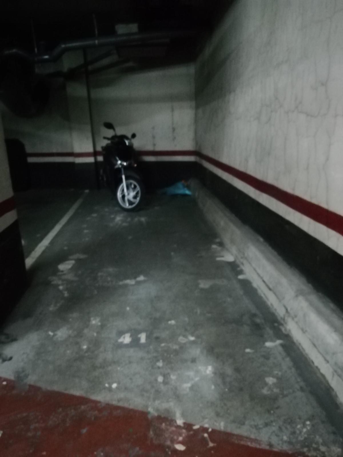 Imagen 1 Parking Coche en venta en Barcelona / Avda. de Roma - Vilamarí