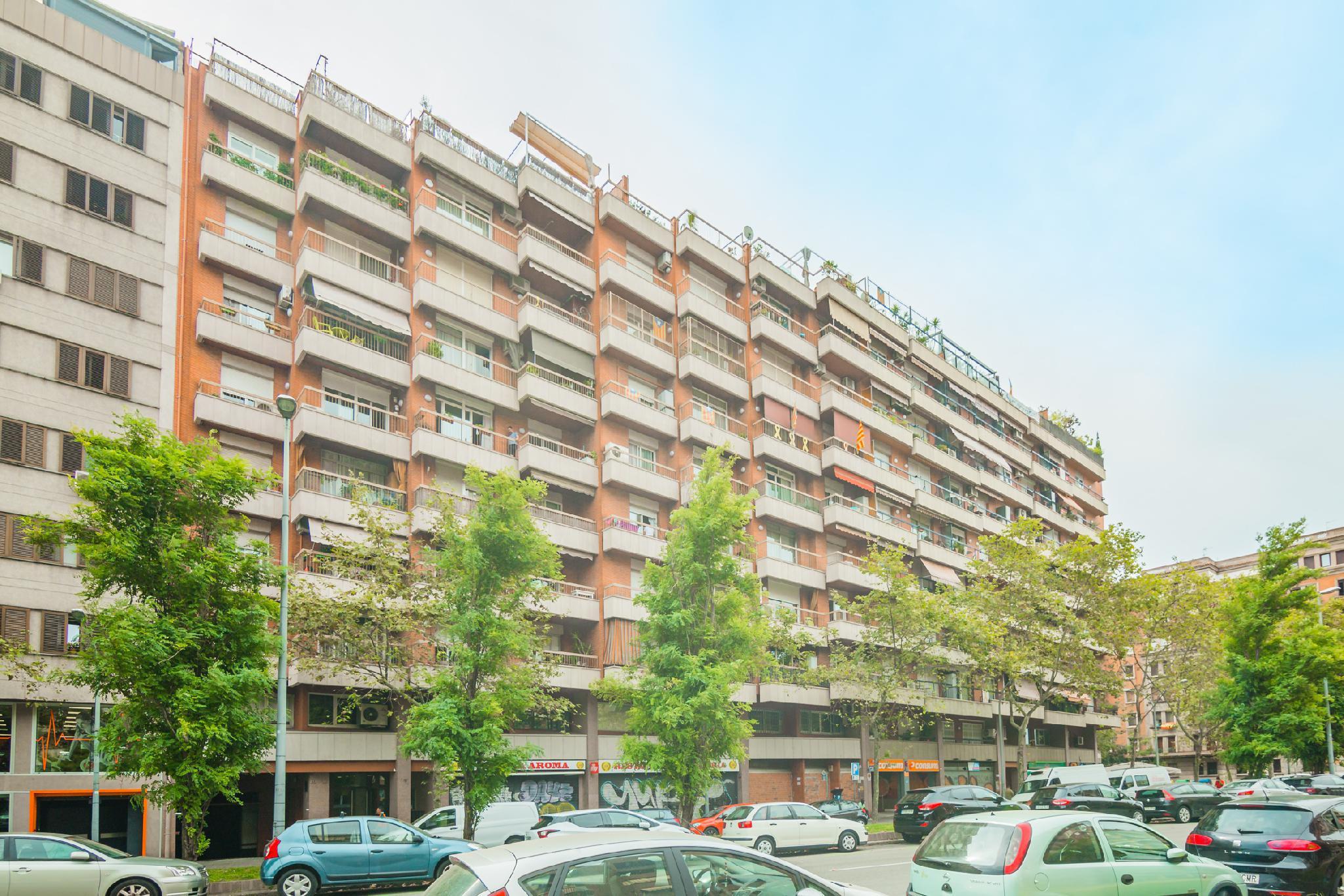 Imagen 2 Parking Coche en venta en Barcelona / Avda. de Roma - Vilamarí