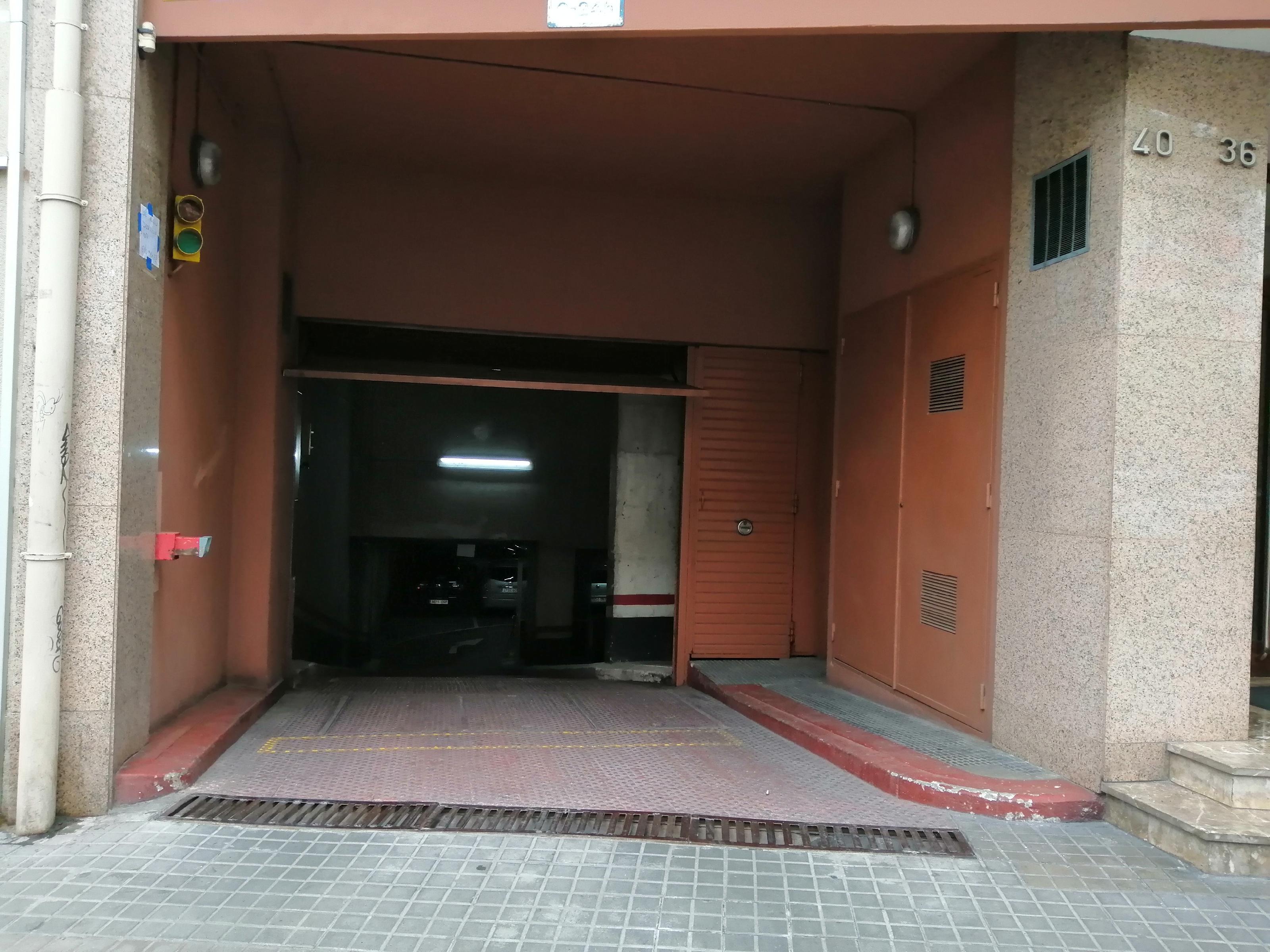 Imagen 4 Parking Coche en venta en Barcelona / Avda. de Roma - Vilamarí