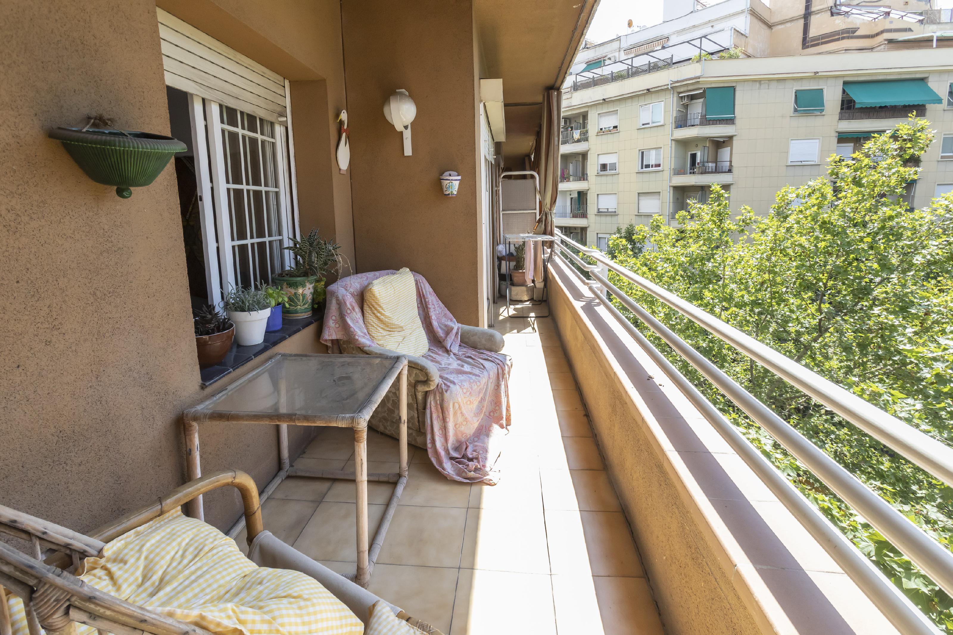 Imagen 1 Piso en venta en Barcelona / Mallorca-Viladomat
