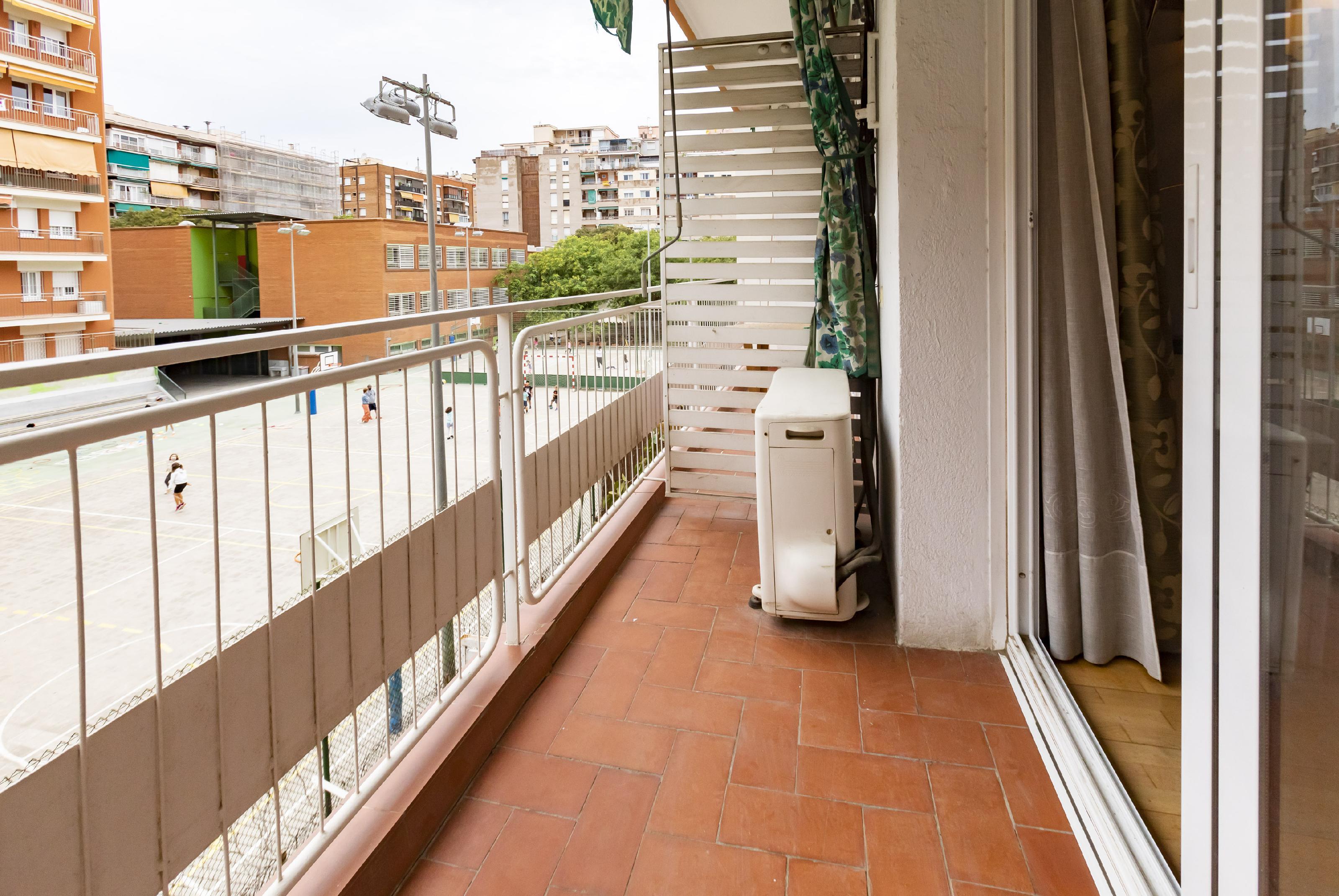 Imagen 2 Piso en venta en Barcelona / Galileo - Caballero