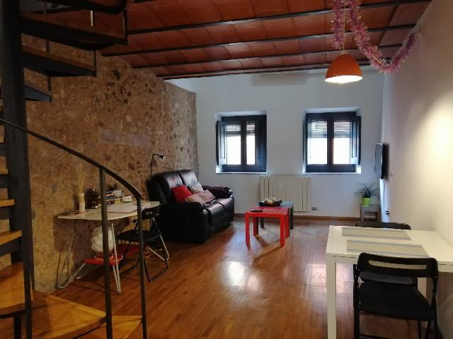Imagen 1 Inmueble 241350 - Dúplex en alquiler en Girona / Situat al Barri Vell de Girona, al costat de Sant Felix