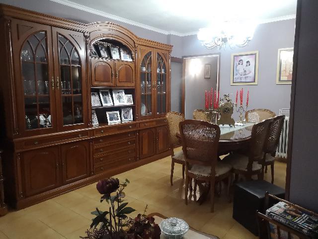 Imagen 1 Inmueble 241576 - Piso en venta en Girona / Pis en bon estat a 5 minuts de l´Estacio d´Ave.