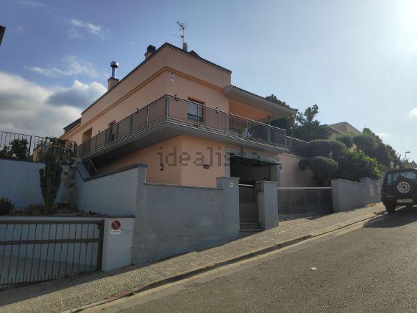 Imagen 1 Inmueble 241882 - Casa Aislada en venta en Girona / Casa als 4 vents a la zona de Montilivi
