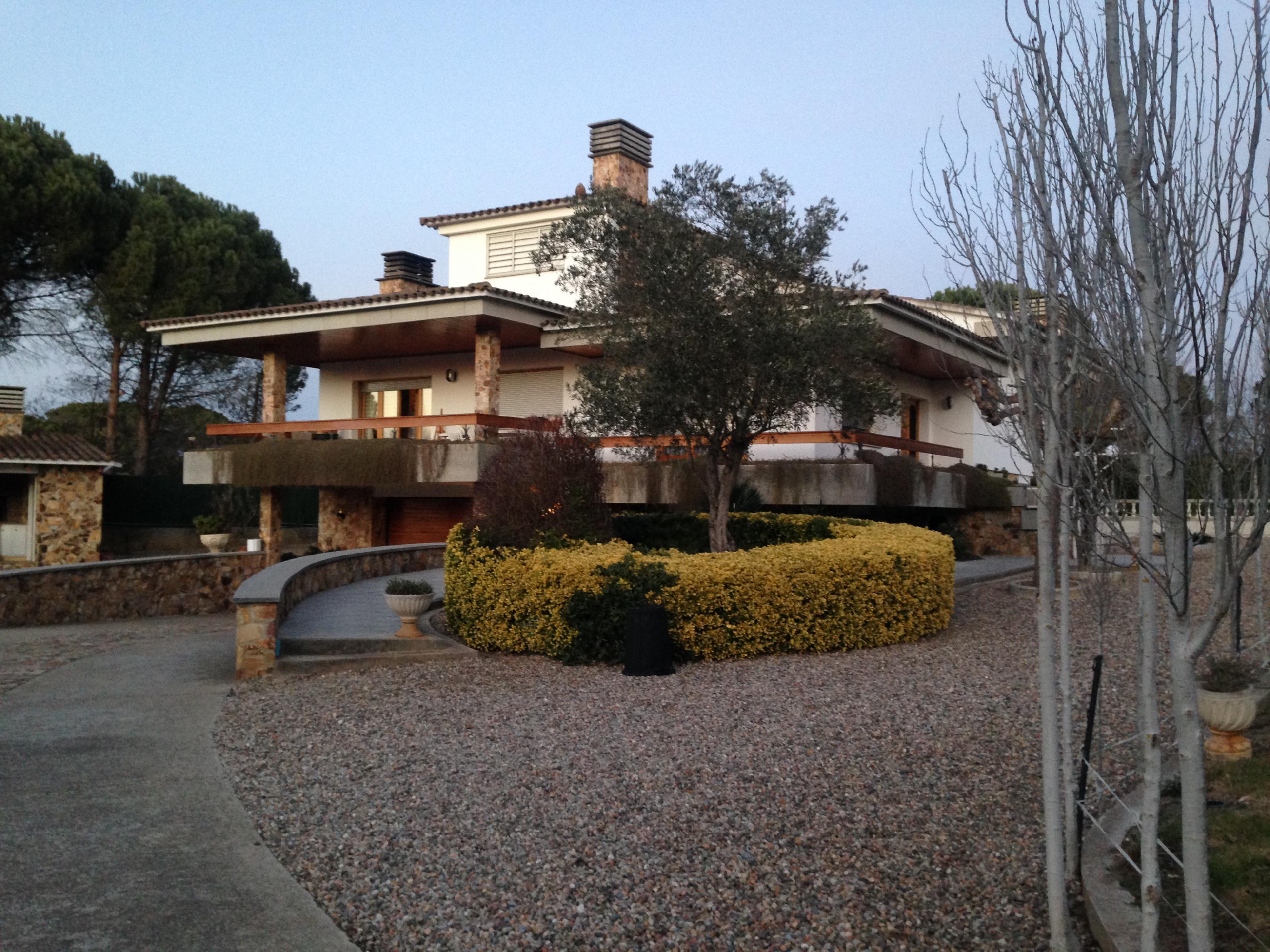 Imagen 1 Casa Aislada en venta en Quart / Al costat de l´Autovia C65
