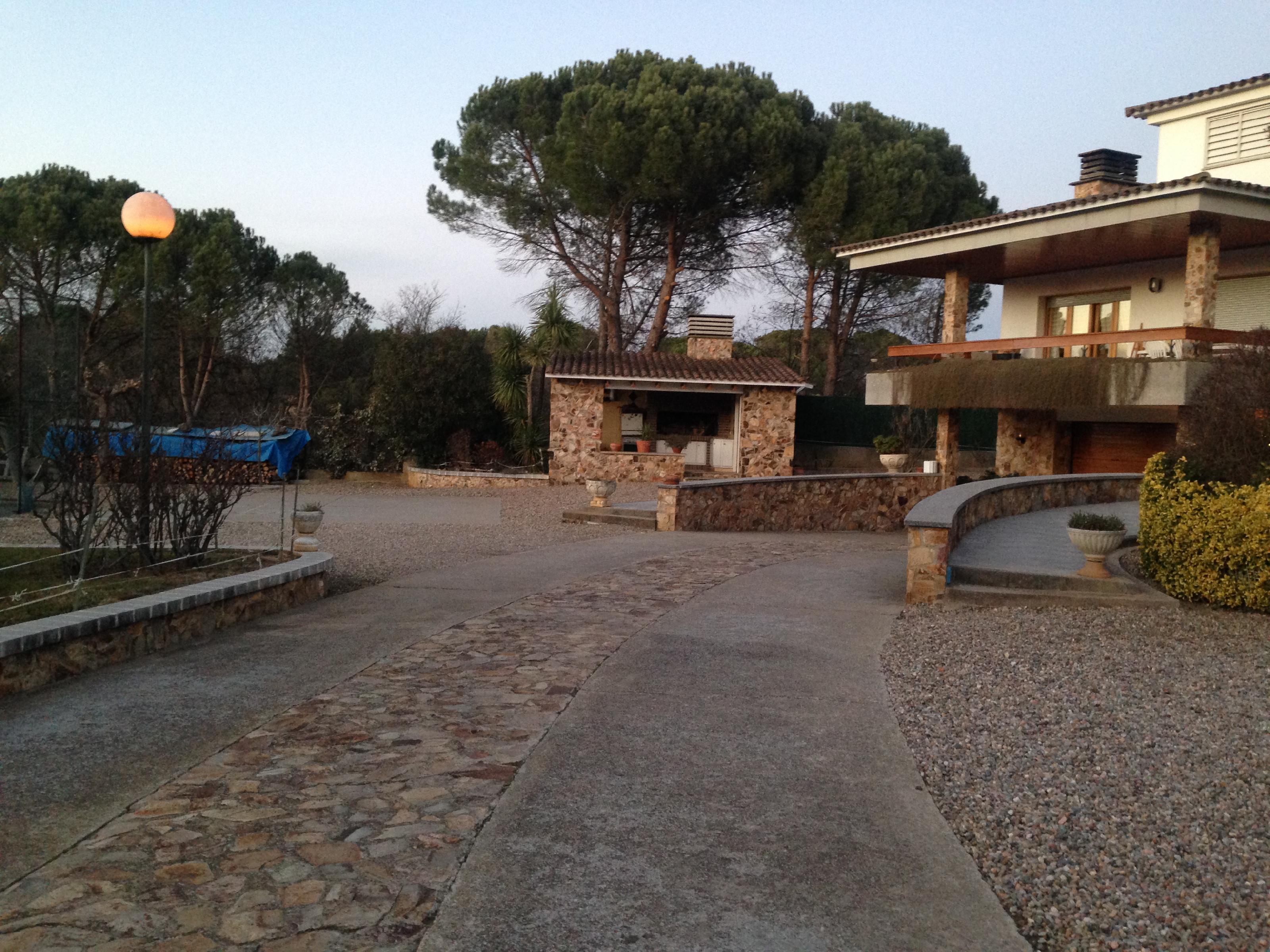 Imagen 2 Casa Aislada en venta en Quart / Al costat de l´Autovia C65