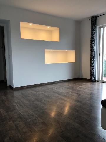 Imagen 1 Inmueble 242419 - Piso en venta en Girona / Pis semireformat ben situat a al costat del Geieg.