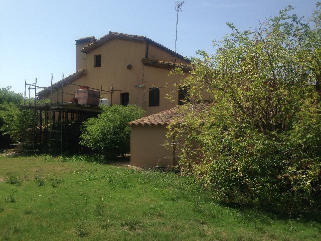 Imagen 1 Inmueble 242610 - Casa Rústica en venta en Aiguaviva / Finca de 7.231m2 a Salitja, consta de 2 masies.