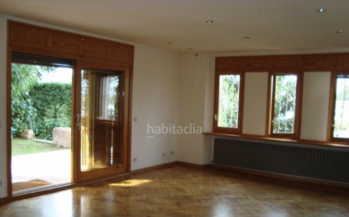 Imagen 4 Casa Aislada en venta en Girona / Xalet a la zona residencial de Palau - Girona.