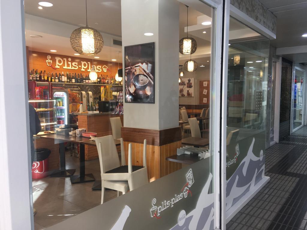 Imagen 3 Local Comercial en alquiler en Girona / Local comercial al davant del Col·legi de  La Salle.
