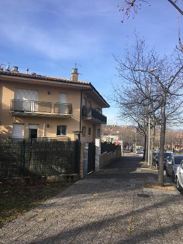 Imagen 1 Inmueble 246435 - Casa Pareada en venta en Girona / Casa adossada  all barri de Montilivi de Girona.