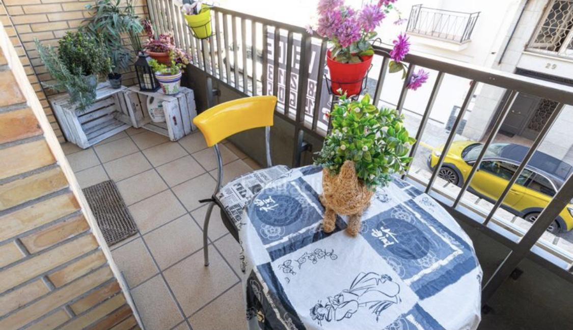 Imagen 4 Piso en venta en Girona / Pis de136m2 amb terrassa al costat del Bell-lloc